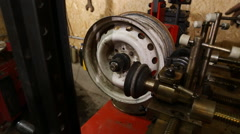 Alignment automotive disc Stock Footage