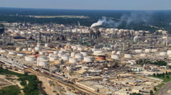 Slow, high flight over crude oil refinery Stock Footage