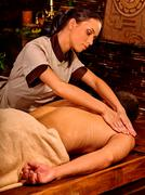 Man luxuriate  Ayurvedic spa treatment Stock Photos