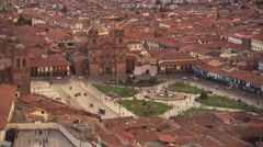 Zoom-out on city center in Cusco, Peru Stock Footage