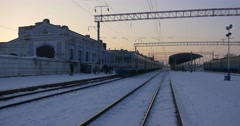 Electric Train Arrives To Konotop Christmas Railway Station Passengers Leave Stock Footage
