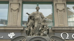 Sculpture above the entrance of Palais Equitable, Vienna Stock Footage