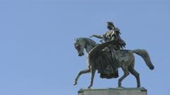Pegasus statue at Wiener Opernball in Vienna Stock Footage