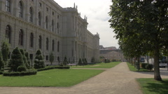 Alley in front of the Museum of Fine Arts, Vienna Stock Footage