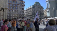 Group of tourists in Stephansplatz square, Vienna Stock Footage