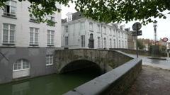 The Torenbrug bridge across Speelmansrei und Augustijnenrei river, Bruges Stock Footage