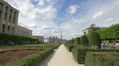 The City Hall of Brussels' tower seen from Le Jardin du Mont des Arts Stock Footage
