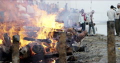 Cremation fire Dashashwamedh Ghat Stock Footage