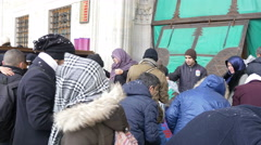 People waiting to enter in Blue Mosque in Istanbul Stock Footage