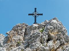Cross on a mountain top Kuvituskuvat