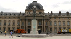 Marechal Joseph Joffre statue in front of the L'École Militaire in Paris Stock Footage