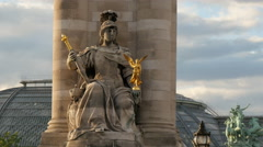 La France de Louis XIV statue in Paris Stock Footage