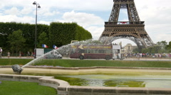 Amazing view of Tour Eiffel from Field of Mars Fountain, Paris Stock Footage