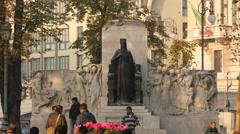 Statua dell'Imperatrice Elisabetta d'Austria in Trieste Stock Footage