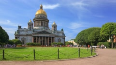 Park in front of the Saint Isaac's Cathedral in Saint Petersburg - stock footage