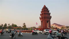 Phnom Penh Independance monument in Cambodia Stock Footage