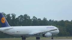Lufthansa Airbus 321 take-off Stock Footage