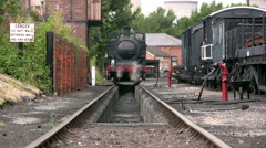 Pannier tank steam engine 3650 over ash pit at Didcot Stock Footage
