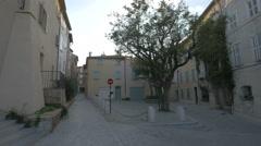 Pecheurs street (Rue des Pêcheurs) in Saint-Tropez Stock Footage