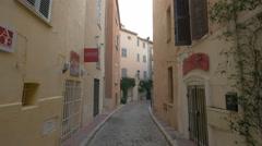 View of Galerie Corinne Kowalski on Rue d'Aumale street in Saint-Tropez Stock Footage
