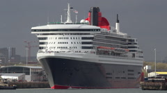 Stock Video Footage of Cruise liner 'Queen Mary 2', departs Southampton