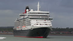 Cruise liner 'Queen Elizabeth', demonstrates a left turn - stock footage