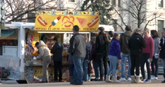Street vendor selling food in downtown Washington DC 4k Stock Footage
