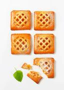 Little lattice-topped pies with apricot filling Kuvituskuvat