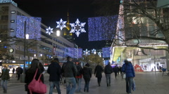 People walking on Zeil street on Christmas in Frankfurt Stock Footage