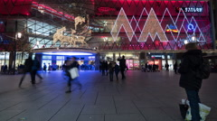 People in front of My Zeil Shopping Mall at  Christmas in Frankfurt, Timelapse Stock Footage