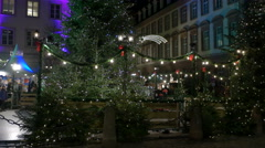 Small train with kids moving around the Christmas tree in Heidelberg Stock Footage