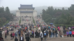Massive crowds visit the Sun Yat-sen mausoleum in Nanjing, China Stock Footage
