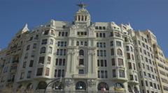 Edificio de la Unión y el Fénix in Valencia Stock Footage