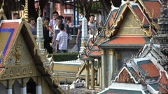 Shenzhen, Chinese tourists visit scale model of a temple in Bangkok, Thailand Stock Footage