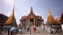 Bangkok city famous wat phra kaew temple main pagoda 4k time lapse thailand Stock Footage