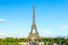 Summer in Paris and the Eiffel tower Stock Photos
