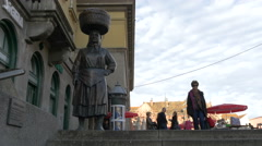 Statue of a woman holding a basket on her head in Dolac Market, Zagreb Stock Footage
