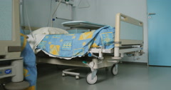 Empty bed in modern hospital Stock Footage