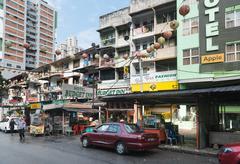 KUALA LUMPUR, MALAYSIA - 02 NOV 2014: Jalan Alor street for low cost hotels a Stock Photos