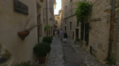 Walking by Frédéric Gollong contemporary art gallery in Saint-Paul-de-Vence Stock Footage