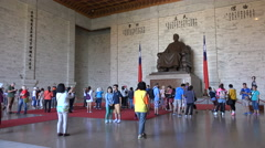 Mainland Chinese (and other) tourists visit CKS memorial in Taipei, Taiwan Stock Footage