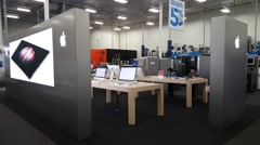 Apple retail store in Palo Alto, CA, USA - stock footage