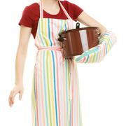 Housewife or chef kitchen apron with pot of soup and ladle Kuvituskuvat