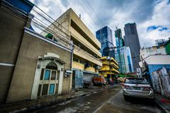 Alley and buildings in Poblacion, Makati, Metro Manila, The Philippines. Kuvituskuvat
