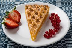 Apple pie slice on white plate Stock Photos