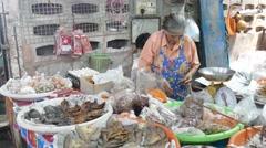 Bangkok Fish and fresh food green market Stock Footage