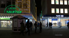 Galeria Kaufhof and Apollo store on Königstraße on Christmas in Nuremberg Stock Footage