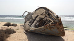 shipwreck on a sandy uninhabited island - Red Sea, Sudan. - stock footage