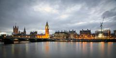 Big Ben Clock Tower and Parliament house at city of westminster, London Engla Stock Photos
