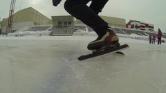 Speed skating. athlete start Stock Footage
